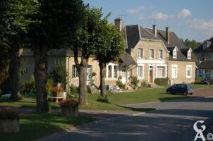 une rue du village - Contributeur : Maryse Trannois