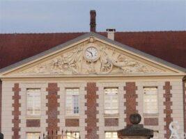 L'école de La Fère doit sa renommée en grande partie à la qualité des enseignants qui y servirent. Le premier d'entre eux fut l'ingénieur des fortifications Bélidor (de 1720 à 1740).  - Contributeur : Sébastien Sartori