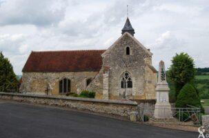 L'église et le monument aux morts - Contributeur : Michel Sance