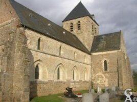 L'église - Vue latérale - Contributeur : Maryline Nivelet