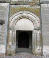 Le porche - sculptures romanes - Contributeur : M.Nivelet