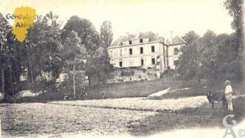 Château de Vauxelles, façade principale. - Contributeur : Carte postale Sébastien Sartori