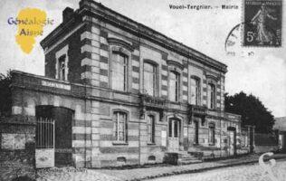 La Mairie : Vouël est un quartier de la commune de Tergnier situé dans le département Aisne. Vouël est une ancienne commune du département de l'Aisne. De plus le quartier est une commune associée à Tergnier. La commune de Vouël a été rattachée a la commune de Tergnier le 1er Janvier 1974.    - Contributeur : Guy Gilkin