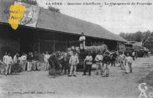 Quartier d'Artillerie - Le chargement du fourrage - Contributeur : Guy Gilkin
