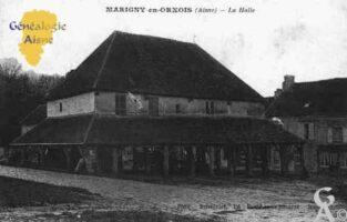 La halle de Marigny-en-Orxois se trouve au centre de la place du village. C'est l'une des plus anciennes de France, elle fut construite en cours du XVIIe siècle. Elle est constituée d'une très belle charpente de chêne. À l'étage se trouve une salle qui servait de mairie et de salle communale avant la construction de la mairie actuelle. Aujourd'hui, elle appartient au