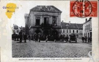 L'hôtel de ville sous l'occupation allemande - Contributeur : J.L.VERROUST