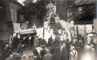 Fête-Dieu - Reposoir - Juin 1920 - Contributeur : Elise Armand Isorez