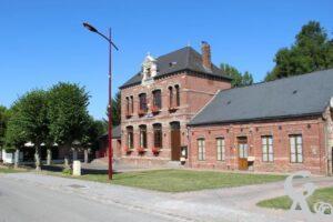 Mairie et ancienne école - André Demolder