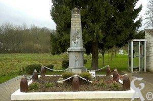 Monument aux morts.Epitaph :