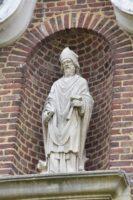 Statue dans une ferme, route de Mennessis- M.Trannois