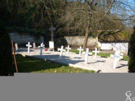 Carré militaire Français cimetière SAINT-JUST