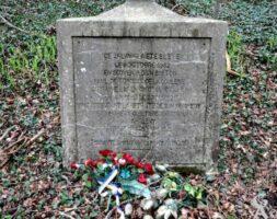 Calvaire Commémoratif Paul DE TORQUAT DE LA COULERIE