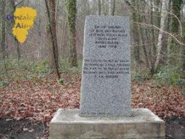 Monument en hommage à G. APPOLINAIRE