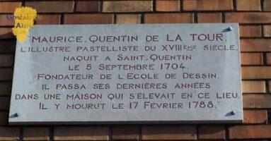 Plaque commémorative de la poste