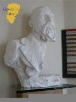 Buste et plaque de Jean MACE