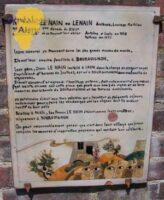 Les frères Le Nain ou Lenain Antoine, Louis et mathieu, nés à Laon, 1ère décade du XVIIe siècle, morts à Paris, où se trouvait leur atelier, Antoine et Louis en 1648, Mathieu en 1677.  Leurs oeuvres se trouvent dans les plus grands musées du monde. Ils ont leur souche familliale à Bourguignon.  Leur père, Isaac Le Nain, installé à Laon dans la charge de sergent royal, d'équivalent d'huissier de justice, est né à Bourguignon dans une famille de vignerons.  Il avit conservé et agrandi l'héritage ??? , fait notamment d'une maison (qui existe encore sur cette place qui porte leur noms), de vignes et de terres ??? sur le terroir de Bourguignon et les terroirs avoisinants.  Ce patrimoine échut aux trois peintres qui y faisaient de fréquents séjours, notamment pour y faire les vendanges sur les vignes dont ils avaient hérité de leur père;  Peintres à Paris, les frères Le Nain étaient comme leurs ancêtres, vignreons à Bourguignon.  On peut raisonnablement penser que c'est dans leur village que furent conçues les oeuvres d'inspiration paysanes qui ont fait leur célébrité.