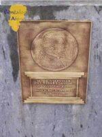 Plaque du cimetière en l'honneur de J.L. DE VIEFVILLE DES ESSARS