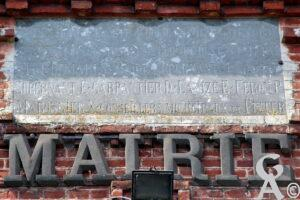 Fronton de la mairie de Gercy- A.Demolder