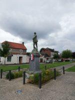 Le monument aux morts de Couvron -NPK
