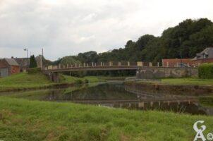 Pont de Venerolles sur le Canal de la Sambre a L'Oise.  - Contributeur : Maryse Trannois