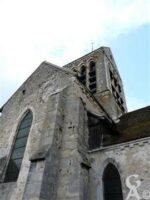L'église de la Nativité-de-la-Sainte-Vierge fondée au XIIIe siècle a été classé monument historique en 1920, notamment grâce au carrelage de sa nef en terre émaillée.   - Contributeur : Sébastien Sartori
