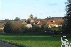 Village du canton de Condé en Brie, dans le sud du département de l'Aisne, en région Picardie. Située au sud de l'Aisne, la commune fut fondée dans la vallée du Saconnay et est bordée par le bois du Breuil.   - Contributeur : Christiane Leroux