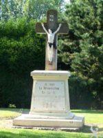 Calvaire de l'ancien cimetière érigé en 1906 - Contributeur : N. Debreux