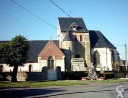 L'église et le monument aux morts - Contributeur : M.R. Lavigne