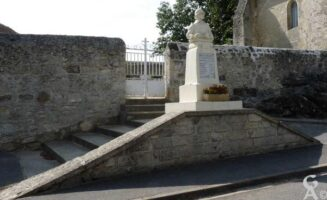 Le monument aux morts - Contributeur : J.P. Brazier