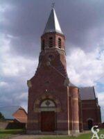 L'église a été reconstruite après 1918 - Contributeur : M. Trannois