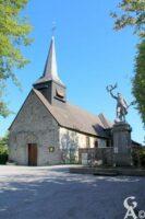 L'église et le monument aux morts - Contributeur : A.Demolder