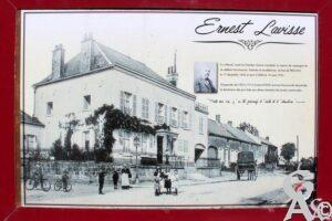 Panneau commémoratif de la maison d'Ernest Lavisse - Contributeur : A.Demolder