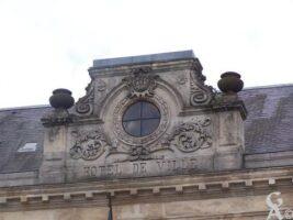 Inscription sur le fronton de la mairie - Contributeur : S Sartori