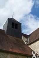 Le clocher (élément architectural d'une église, généralement en forme de tour plus ou moins élevée, qui héberge une ou plusieurs cloches). - Contributeur : Sébastien Sartori