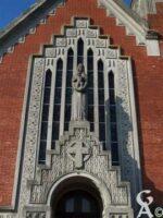 Le fronton de l'entrée de l'église - Contributeur : Sébastien Sartori