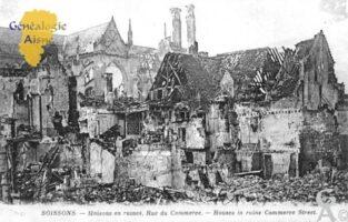 Maisons en ruines, rue du Commerce. - Contributeur : Christiane Brenu