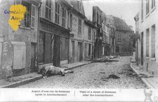 Aspect d'une rue de Soissons après le bombardement. - Contributeur : Christiane Brenu