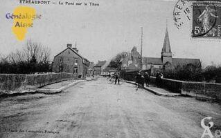 Le Pont sur le Thon en 1913 - ( également orthographié Ton est une abondante mais petite rivière, affluent de l'Oise (Rive gauche), et donc sous-affluent de la Seine). - Contributeur : Jean Claude Menu