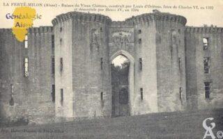 Ruines du vieux château, costruit par Louis d'Orléans, frère de Charles VI, en 1392 et démantelé par Henri IV, en 1594. - Contributeur : Carte postale Sébastien Sartori