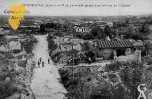 Vue générale prise des ruines de l'église - Contributeur : Colette Brille