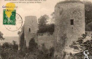 Ruines du Château féodal de la Folie construit au xiié siècle, par Robert de Dreux. - Contributeur : Guy Gilkin