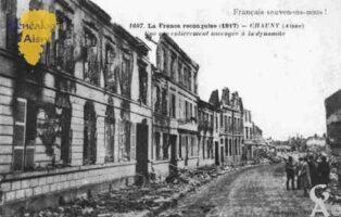 La France reconquise 1917 - une rue entièrement saccagée à la dynamite. - Contributeur : Guy Gilkin
