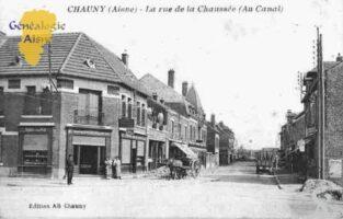 la Rue de la Chaussée (au canal) - Contributeur : Guy Gilkin