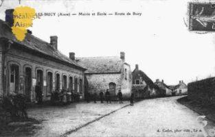 Mairie et Écoles - Route de Bucy  - Contributeur : Guy Gilkin