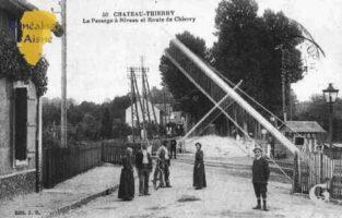Le Passage à Niveau et la Route de Château-Thierry - Contributeur : Guy Gilkin