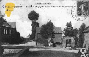Route de Magny-la-Fosse et Place de l'Abreuvoir - Contributeur : Guy Gilkin