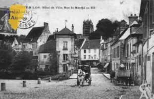 Hôtel de Ville, Rue du marché au Blé - Contributeur : Guy Gilkin
