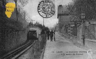 Le tramway électrique à la sortie du tunnel - Contributeur : Guy Gilkin
