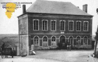 La Mairie, Restaurée par les soins de Mr CARRÉ - Contributeur : Guy Gilkin