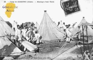 Camp de Sissonne - Montage d'une Tente. - Contributeur : Guy Gilkin